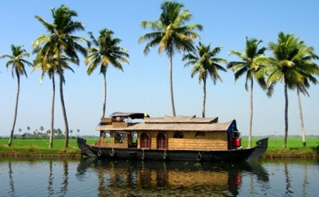 Keralabackwaters Top 10 Tourist Destinations in India