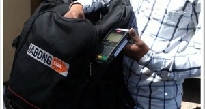 Jabong.com trumps Flipkart traffic – Offers Door Step Card payment service for COD!
