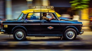 35,000+ Mumbai Kaali-Peeli Cabs Take On Uber/Ola With Their Own App Called 9211