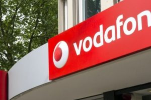 After Airtel & Idea, Vodafone Too Slashes Mobile Data Tariff. Jio Scare?