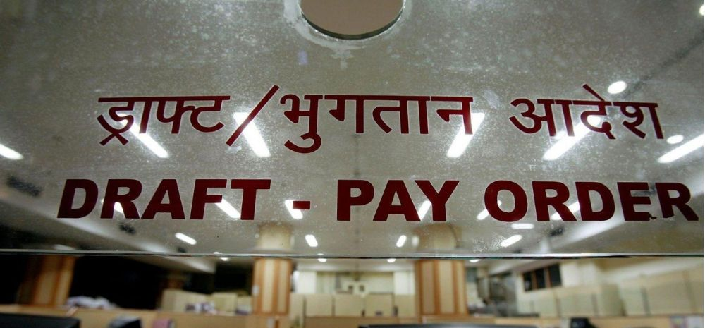 Private Banks In India Have 8.6 Lakh Officers Compared To Just 3.6 Lakh Clerks! (Find Out The Reason Why)