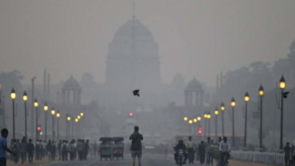 Delhi Declares Pollution Emergency; North Indians Will Lose 7 Years Of Life Due To Pollution!
