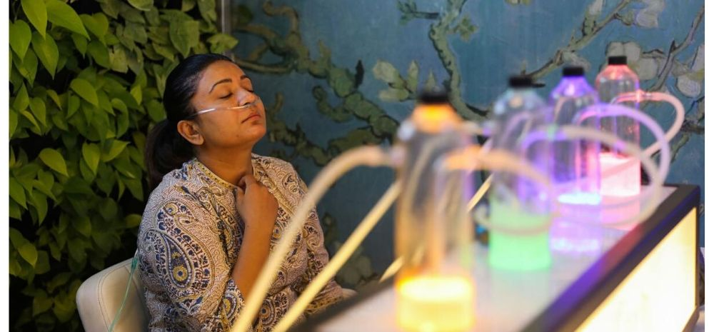 Breath In Pure Oxygen For Rs 299: Delhi Has A Oxygen Bar  Offering Pure Air In 7 Different Flavours!