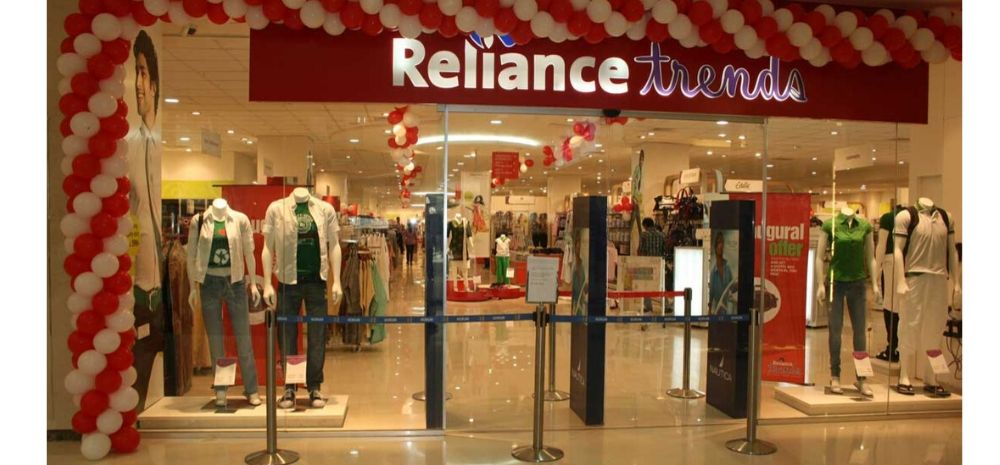Reliance Trends Slapped With Rs 30,000 Penalty For Charging Rs 8 For A Carry Bag: Big Win For Consumers?