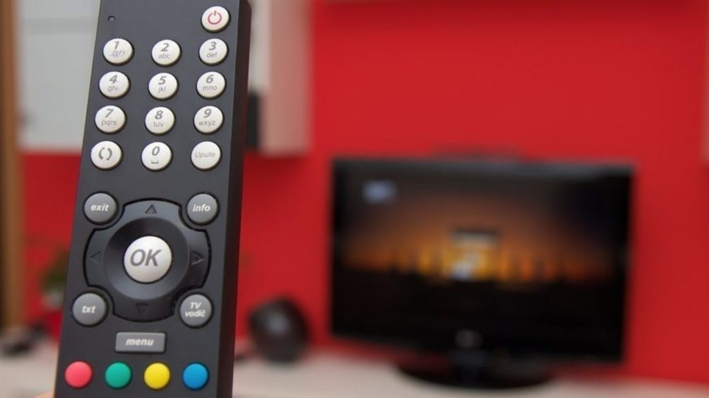 DTH Players Like Tata Sky, d2H & Cable Operators Are Ditching Profits & Rolling Out Freebies To Lure TV Viewers