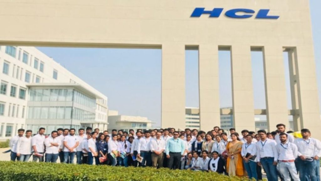 HCL Will Hire 9000 Freshers In Next 180 Days; Salary Hike For All 1.5 Lakh Employees Announced