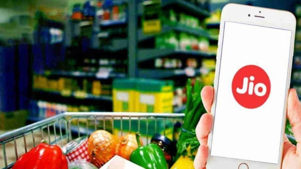 JioMart has gotten closer to market leader BigBasket's. JioMart's availability in cities where the other apps didn't work contributed to its popularity !