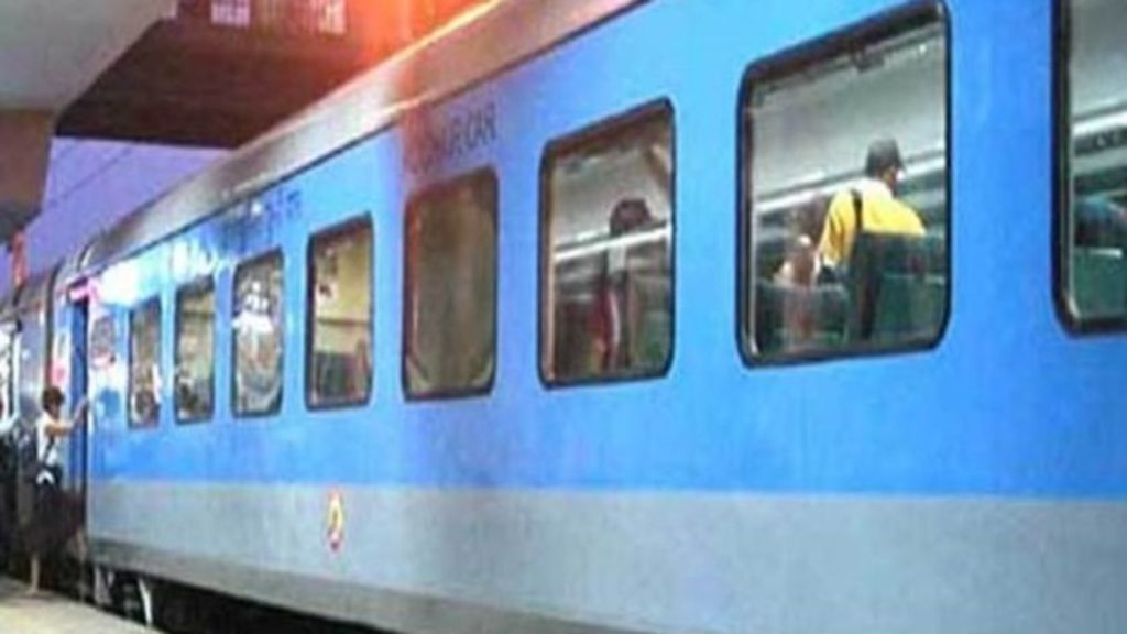 India's Fastest Train Starts Again From This Date! Gatimaan Express, Vande Bharat Express Restores