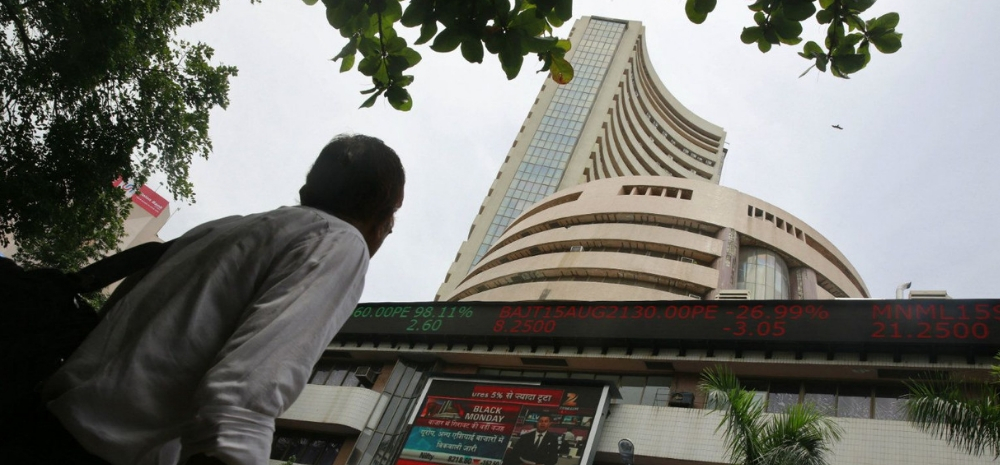 TCS, Infosys Share Price Can Increase Upto 40% As Per These Market Experts